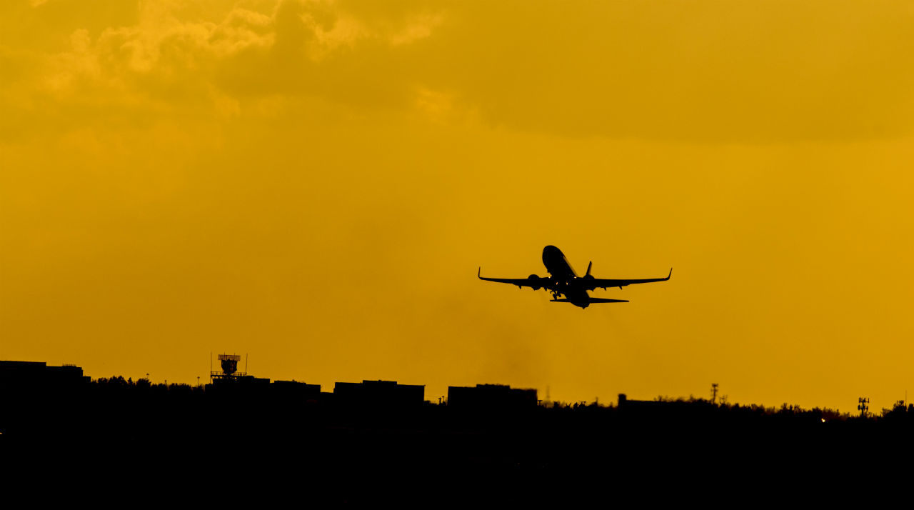 plane departing silhouette